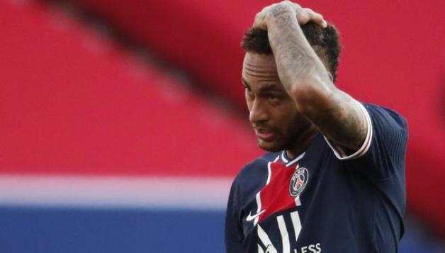Neymar fue expulsado en el duelo del PSG y Lille y en el vestuario protagonizó incidente. (Foto: Reuters)