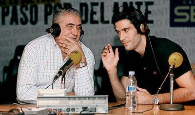 Lorenzo y Fernando Sanz, padre e hijo, presidente y jugador del Real Madrid.