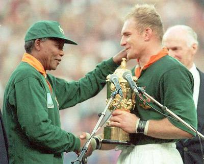 Nelson Mandela utilizó el rugby para borrar los últimos rastros del apartheid en Sudáfrica.