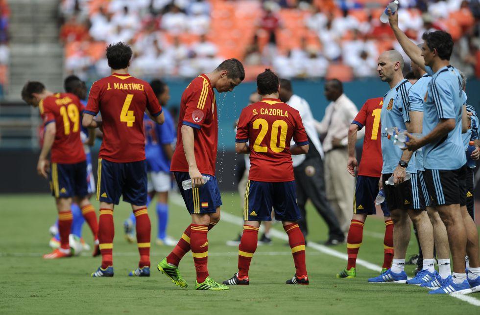El árbitro detendrá el juego para que los jugadores se hidraten si se superan los 32º (Foto: as.com).