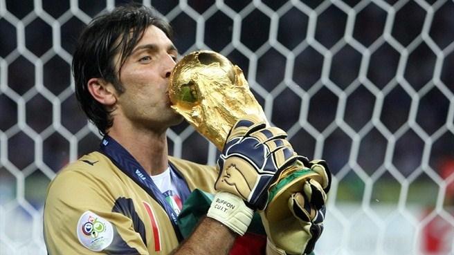 Buffon se convertirá en Brasil en el tercer jugador de la historia en disputar cinco mundiales.