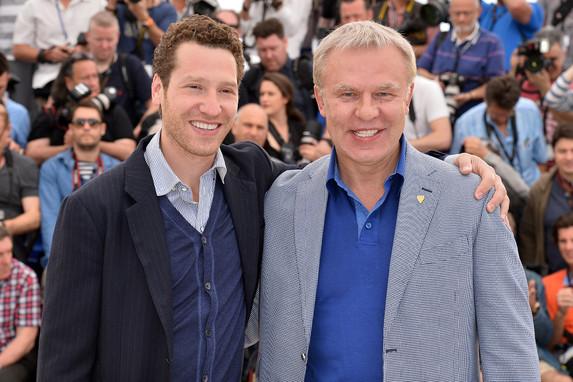Slava Fetisov y el director del documental, Gabe Polsky, durante su presentación en el festival de Cannes.
