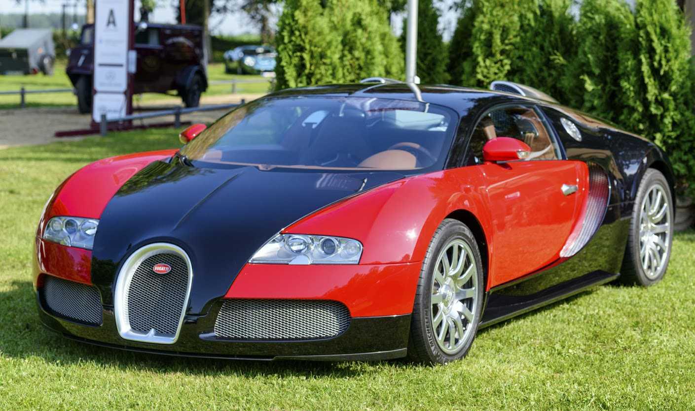 """El Bugati Veyron de Benm Valorado en más de 2 millones de euros, el Libro de los récords Guiness le retiraba hace poco el reconocimiento de """"coche más rápido del mundo"""", con 408,84 km/h de velocidad."""