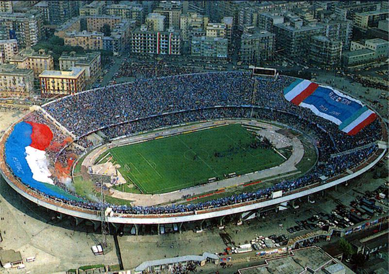 El estadio San Paolo celebró dos títulos de liga comandado por Maradona.