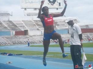 Especialista en triple salto. (PB: 14.65m). Subcampeona Mundial (Berlín 2009) y bronce mundial bajo techo (Estambul 2012)