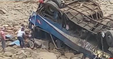 Bus interprovincial cae a abismo en Pasamayo con 56 pasajeros