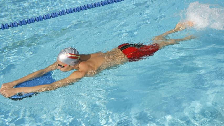 recuperarse de una lesion gracias a la natación