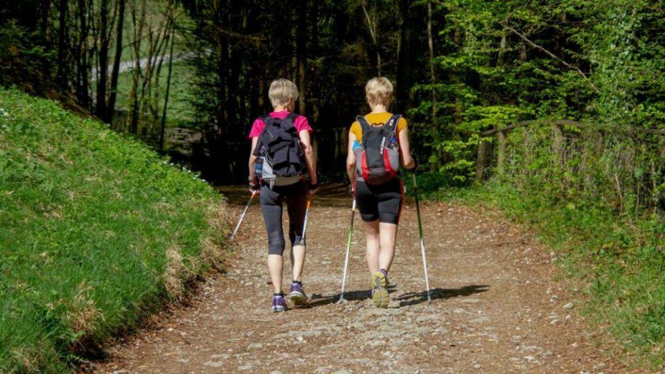 5 beneficios de andar ligero
