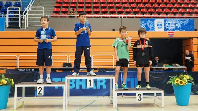 Marlon López del Tenis de Mesa Almaraz consigue el bronce en el Campeonato de España