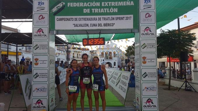 Álvaro García y María Rico se proclaman campeones de Extremadura de Triatlón Sprint