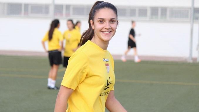 La joven extremeña Paula León jugará en el filial del Santa Teresa Badajoz