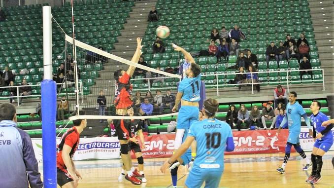 Victoria del Electrocash Extremadura CCPH ante el Club Vigo Voleibol