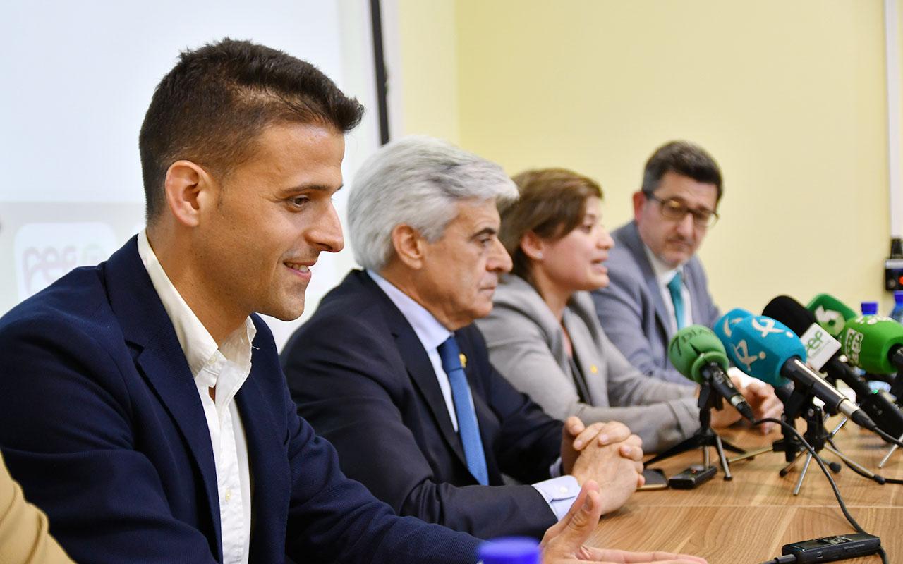 La Federación Extremeña de Fútbol presentó la Campaña Integral Antiviolencia (6)