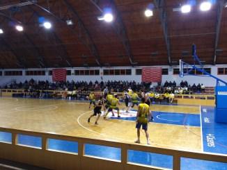 ADC Azuanet y San Antonio Cáceres Basket alargan sus eliminatorias