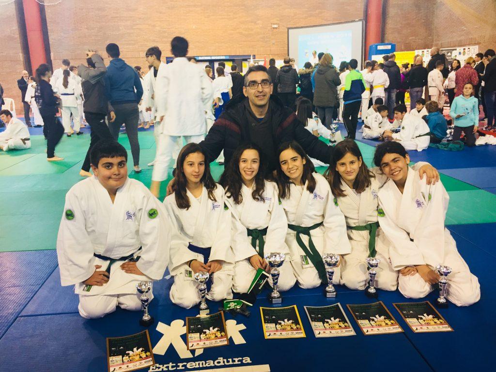Excelentes resultados del Club Don Benito de Judo en el Campeonato de Extremadura Infantil y Cadete Judex de Judo (2)