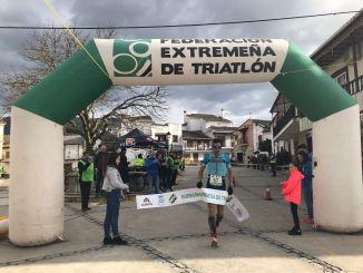 Marina Moreno y Mario Sáez ganan el III Duatlón Cros Las 3 Mentiras