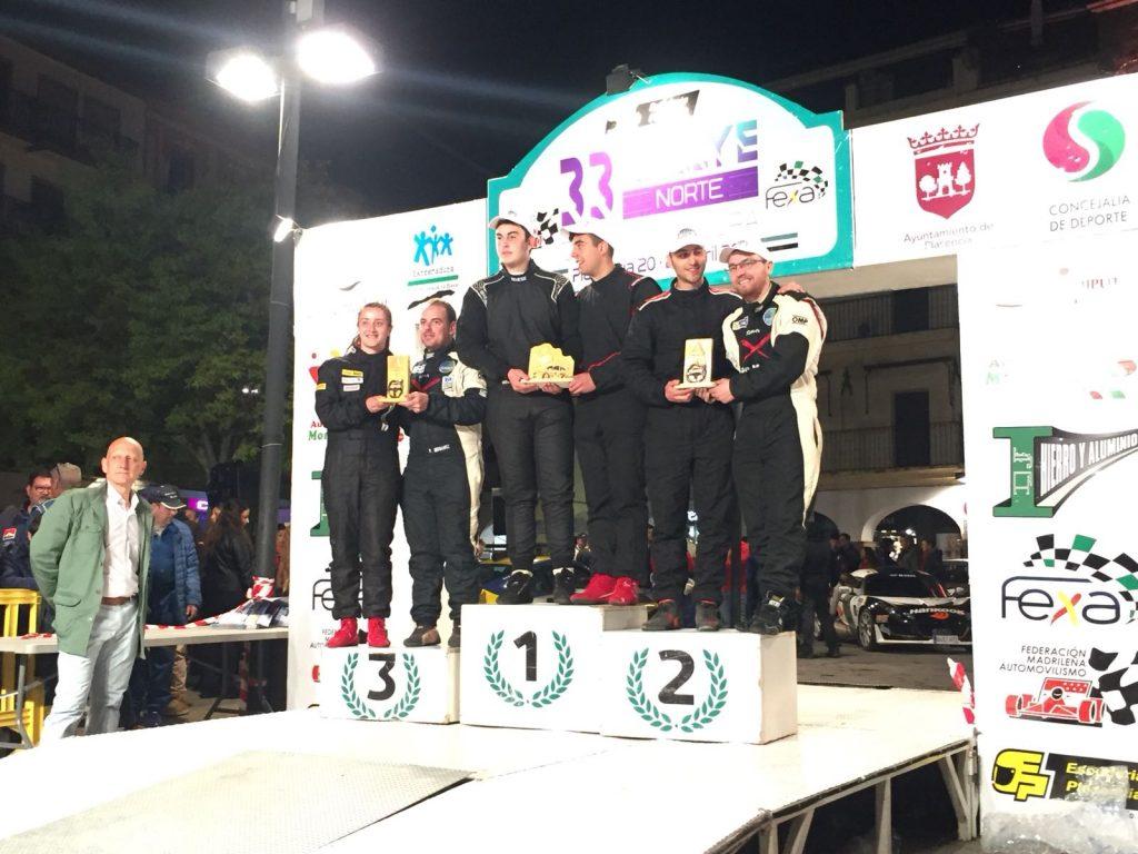 Podio Pedro y Noelia - El Extremadura Rallye Team de notable en el Rallye Norte de Extremadura