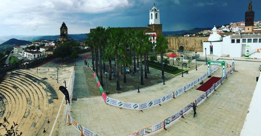 David Puertas e Irene Cascajosa triunfa en Jerez de los Caballeros