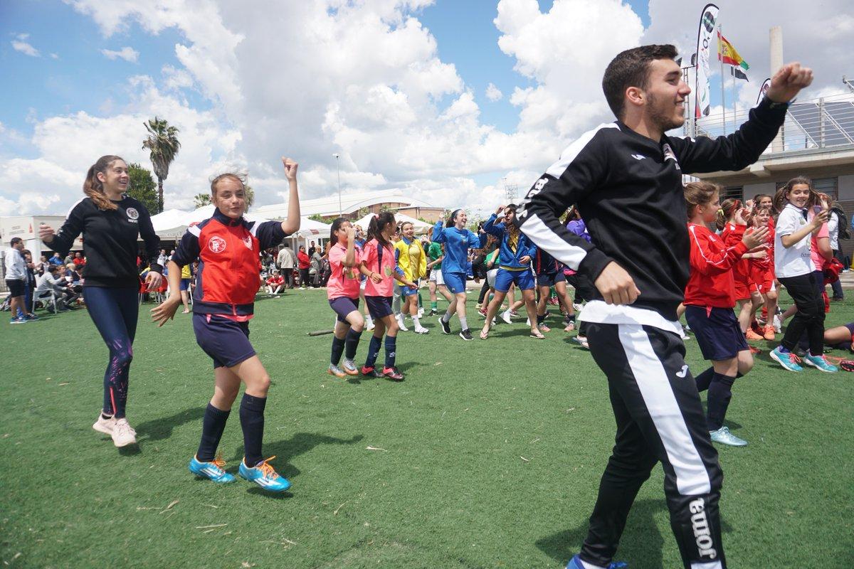 El fútbol femenino toma Badajoz con victoria de Real Betis y Santa Teresa Badajoz (1)