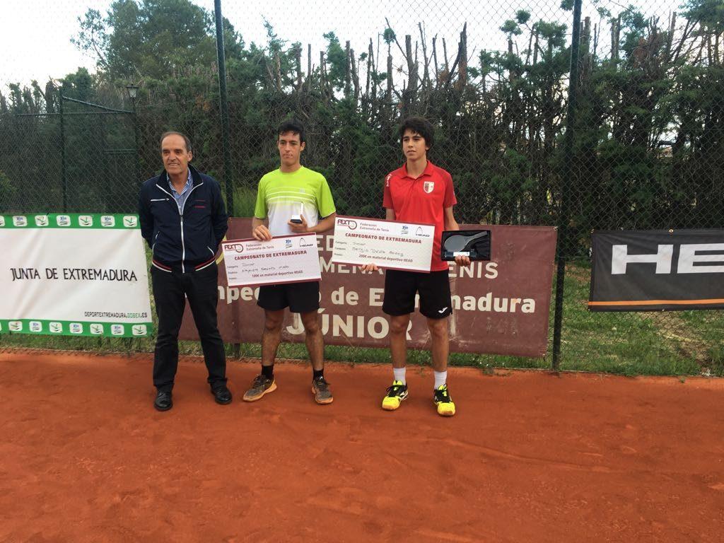 Ana Morgado y Sergio Dávila Campeones de Extremadura Junior de Tenis
