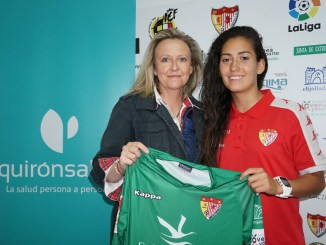 Nayadet López y el Santa Teresa Badajoz renuevan el contrato