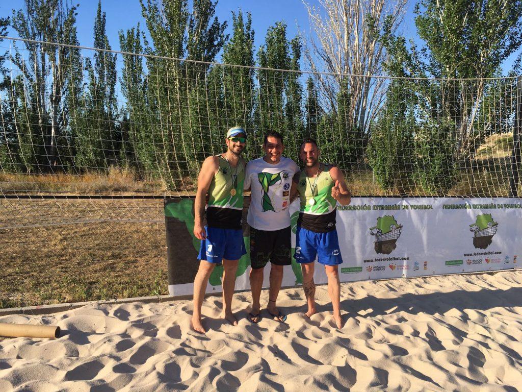 Los andaluces se hacen con la tercera prueba del circuito Extremadura voley playa
