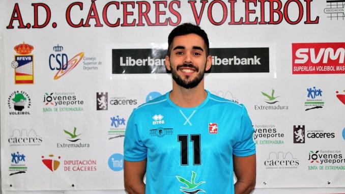 Renovación de Richi por el AD. Cáceres Voleibol para la Superliga2 de Voleibol