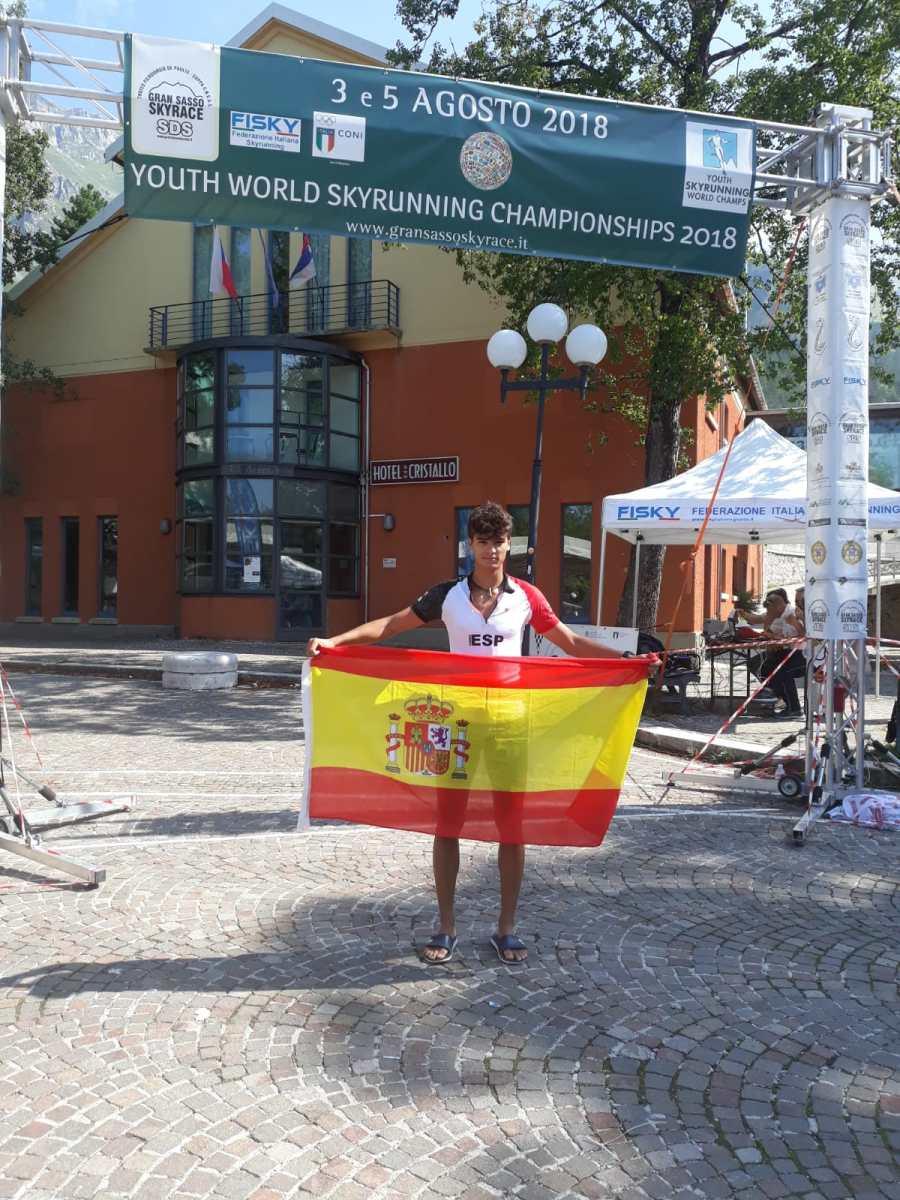 David Gil González, se gradúa con nota alta en el Campeonato del Mundo Juvenil de Carreras Por Montaña
