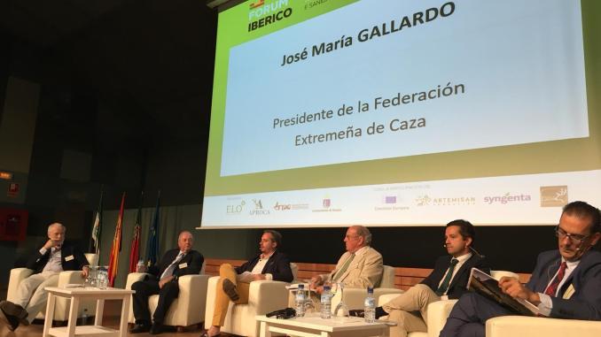 El presidente de FEDEXCAZA destaca el papel de la caza como parte de la solución en materia de sanidad animal