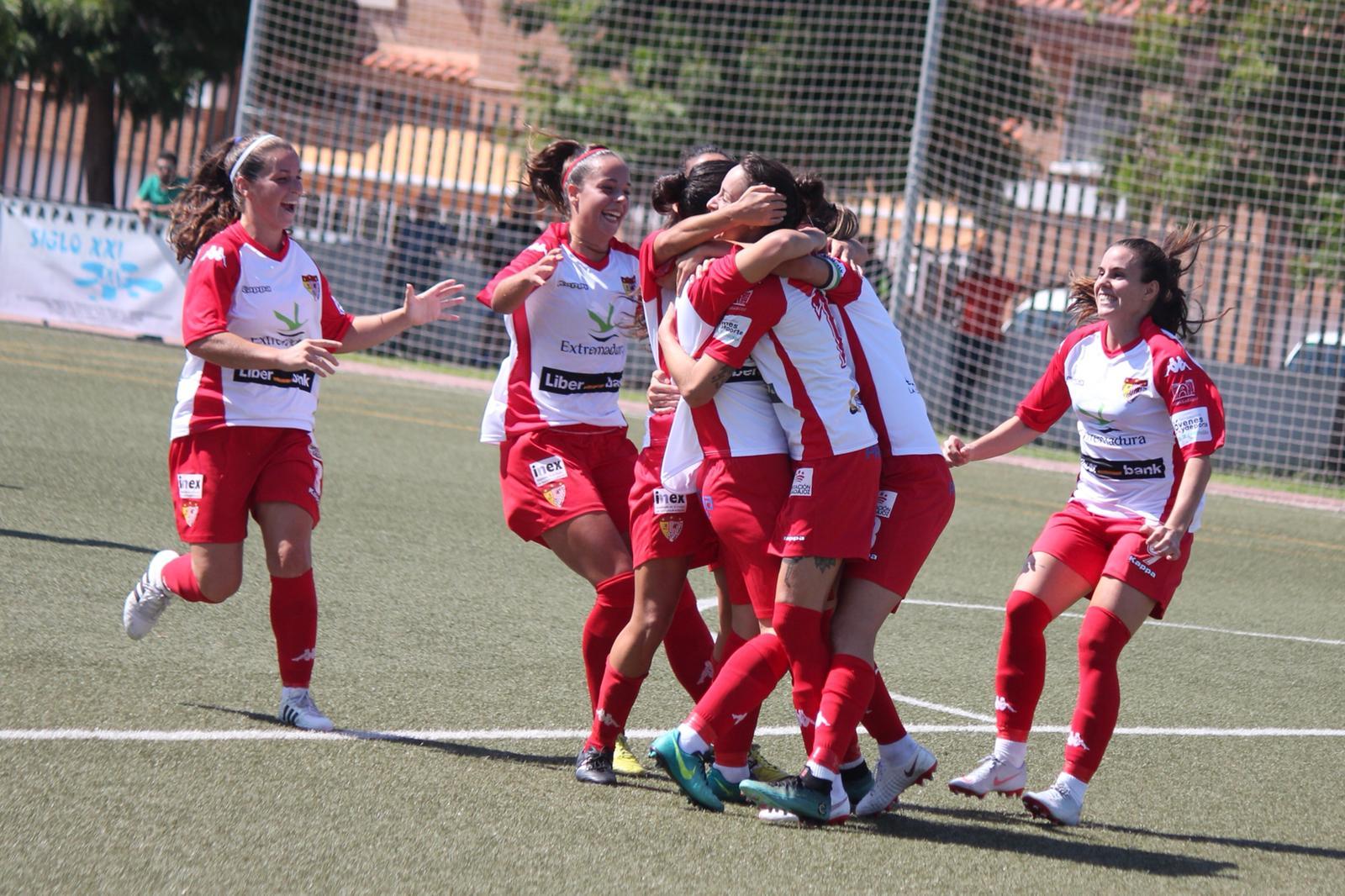 El Liberbank Santa Teresa Badajoz se impone con fuerza a Sporting Huelva B