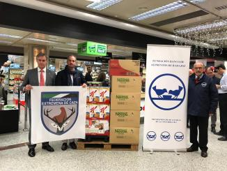 FEDEXCAZA+ dona 300 raciones de comida para comedores sociales y productos para el Banco de Alimentos