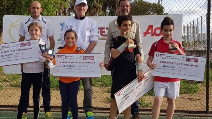 El Club de Tenis Montijo albergó las finales del Campeonato de Extremadura de Tenis en categoría benjamín