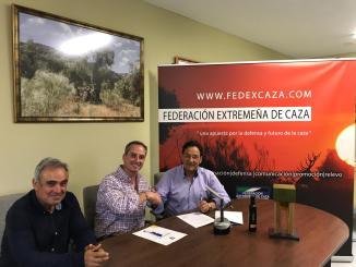 La cooperativa de aceite 'Úmm', nueva empresa colaboradora de la Federación Extremeña de Caza