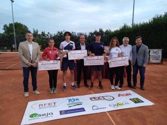 El Club de Tenis Cabezarrubia ha acogido las finales del Campeonato de Extremadura Junior