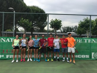 Buenos resultados de los tenistas extremeños en Miranda del Ebro en el Torneo Nacional Cadete