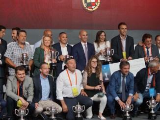 El Santa Teresa Badajoz recibe en la Ciudad del Fútbol de Las Rozas la copa de campeón 2018/2019
