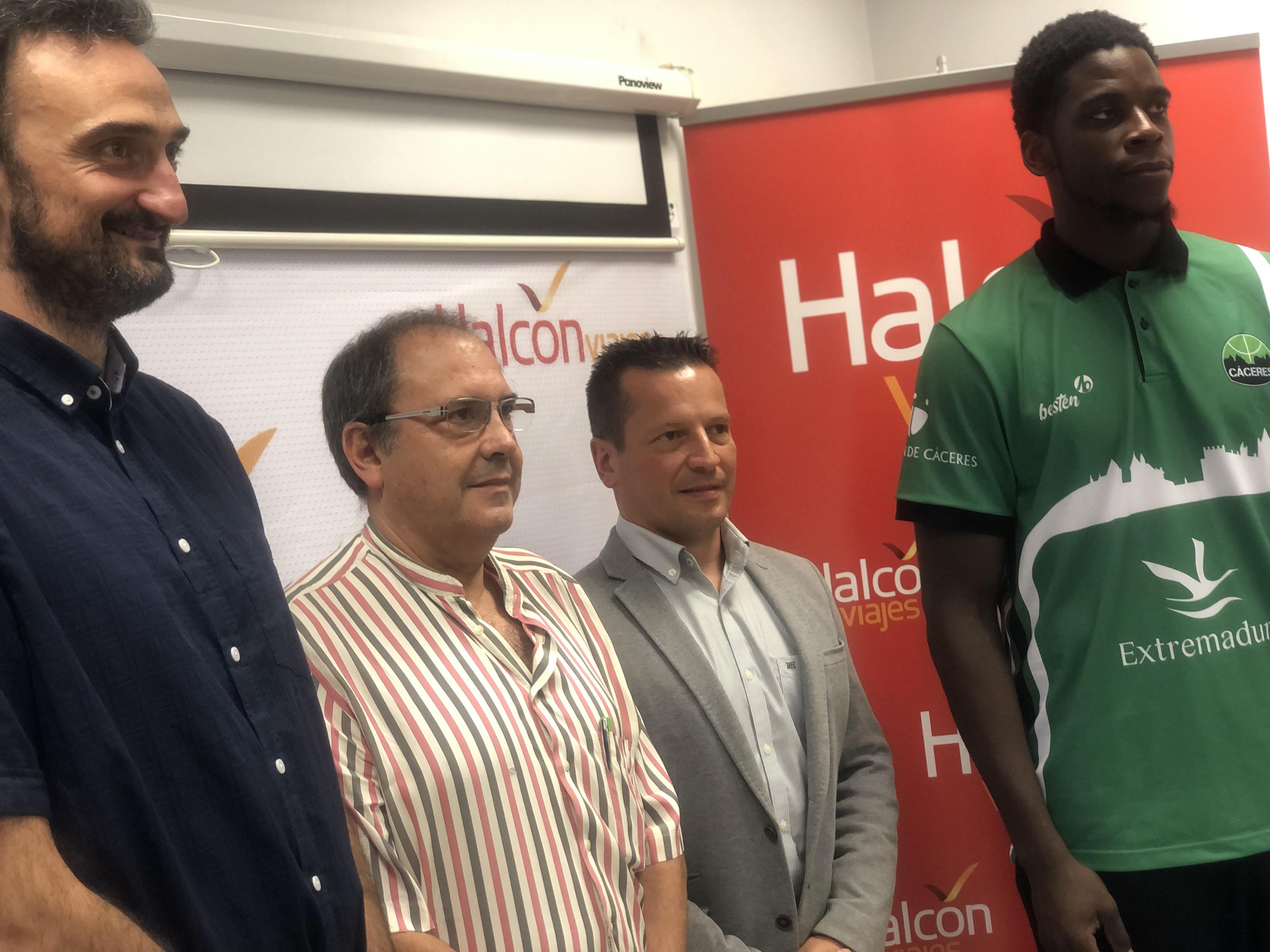 Arkeem Joseph llega al Cáceres de la mano de Halcón Viajes