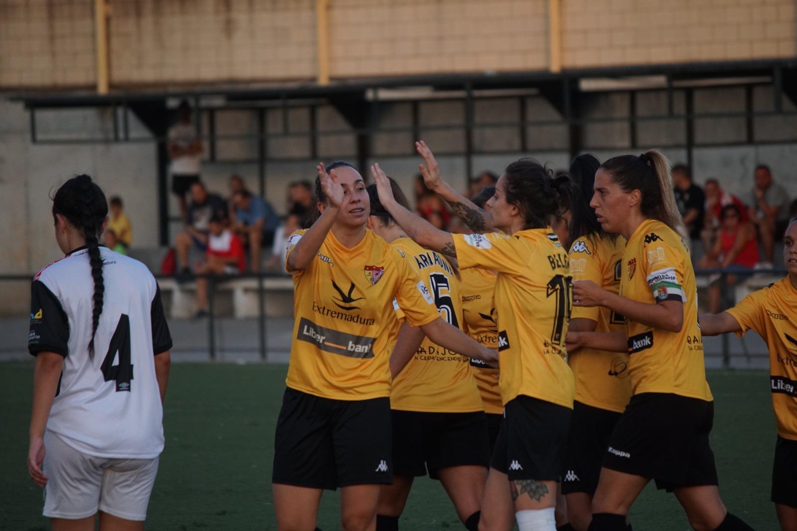 Contundente victoria del Santa Teresa ante el CD Badajoz y pase a la final | 6-0