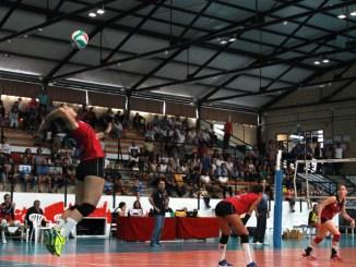 El Extremadura Arroyo lleva al límite al Sayre para ceder una ajustada derrota
