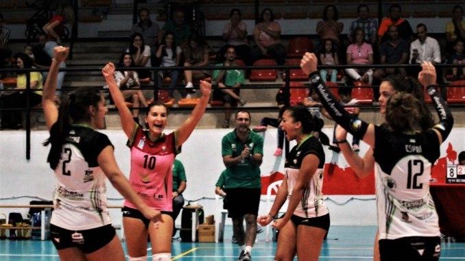 El Extremadura Arroyo aplasta al Rivas (0-3) y se aúpa al liderato del Grupo A de SF2