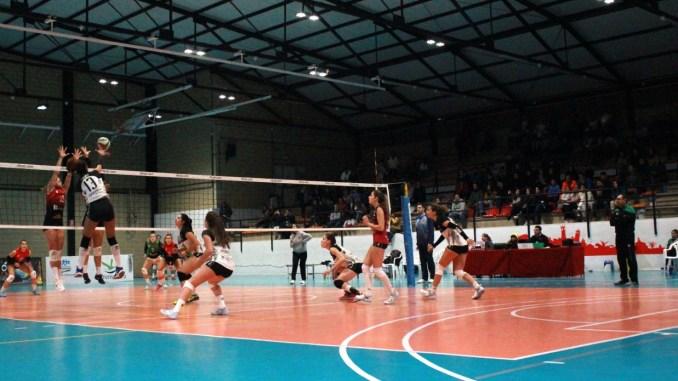 El Extremadura Arroyo sufre sin límites para derrotar 3-2 al CV Sestao