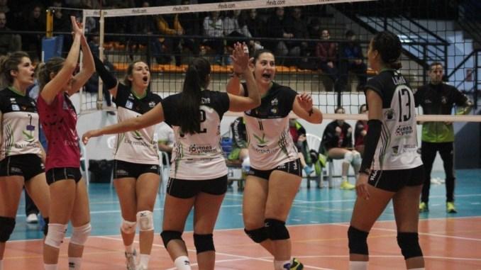 El Extremadura Arroyo, tras derrotar al Rivas, sube al quinto puesto de la tabla