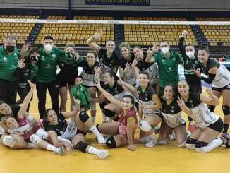 El Extremadura Arroyo vapulea a Atarfe (0-3) y se mete en semifinales como primero de grupo