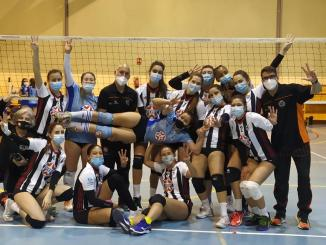 Foto de equipo tras la victoria en Alcorcón