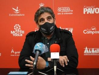Juan García en sala de prensa