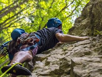 climbing-2609319_1280