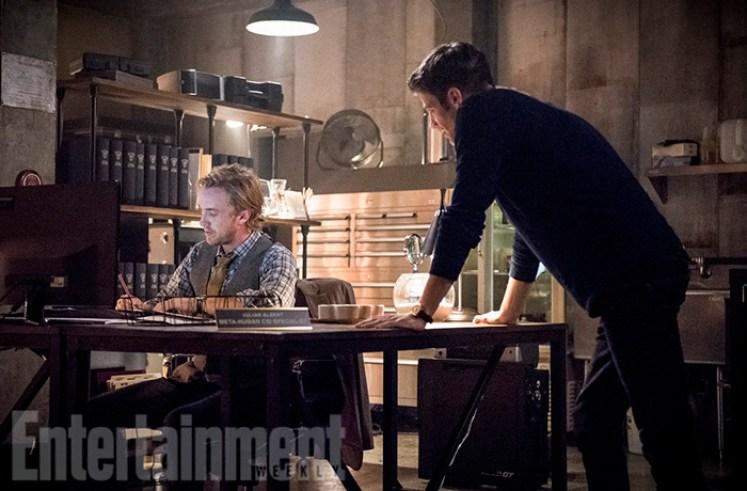 Imagem mostra o retorno de um velocista na terceira temporada de The Flash!