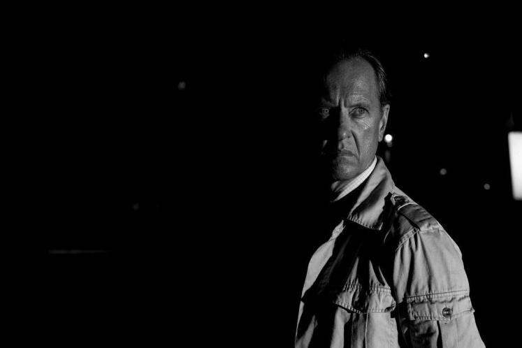 Cientista Rice aparece em uma nova imagem do filme do Logan!