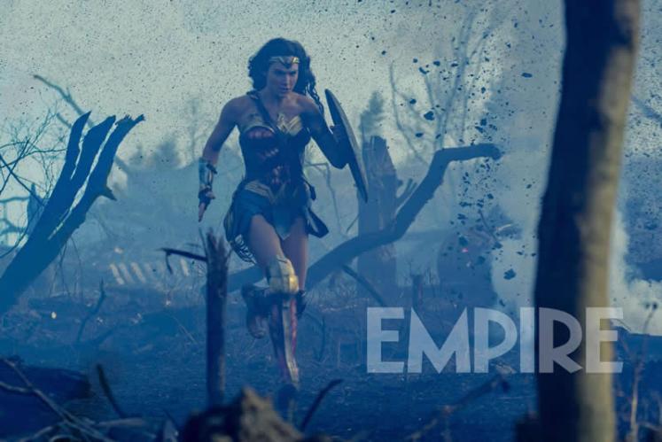 Divulgada uma nova imagem da Mulher-Maravilha na revista Empire!