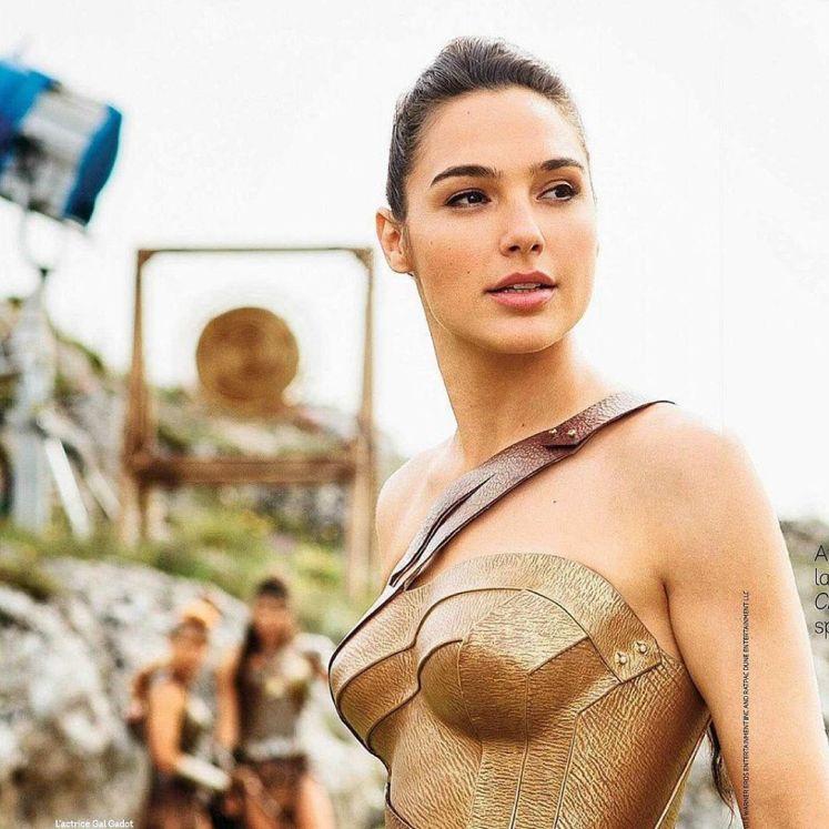Gal Gadot divulga uma nova imagem do set de Mulher-Maravilha!